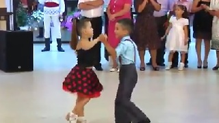 6-Year-Old Duo Dancing Like Professionals - Video