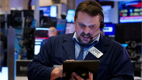 Wall Street drops 1800 points at open