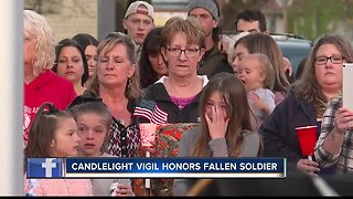Horseshoe Bend community holds candlelight vigil for fallen soldier