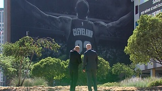 LeBron mural to come down in Cleveland - Video