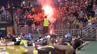 Greek basketball fans light flares at indoor team practice - Video