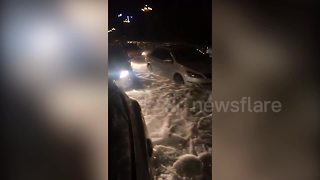 Violent hailstorm leaves streets in China thick with ice - Video
