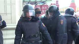 More Than 200 People Reportedly Detained After Protest in Moscow - Video