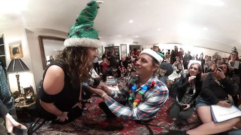 Adorable sung proposal captured in incredible virtual reality