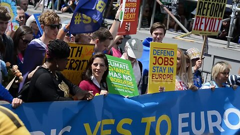 """Thousands march in London to say """"No to Boris, Yes to Europe"""""""