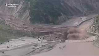 Massive Mudslide Pours Into Tajik Valley - Video