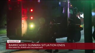 Barricaded gunman situation ends in Detroit