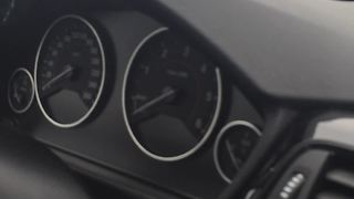 Crazy BMW F30 electronics failure on highway - Video