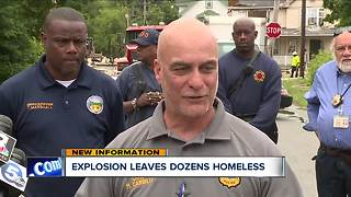 A deadly house explosion leaves at least 10 people homeless - Video
