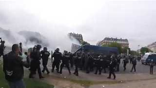 Paris Police, Protesters Clash - Video