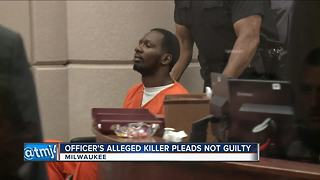 Milwaukee man accused of killing MPD officer enters 'not guilty' plea