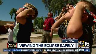 Viewing the solar eclipse safely - Video