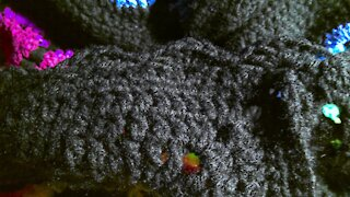 How to crochet a shell stitch boarder 1