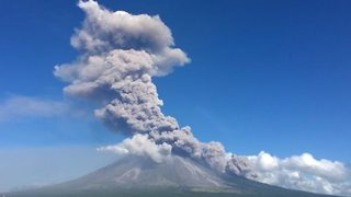 Time-Lapse Footage Captures Volcano's Massive Eruption - Video