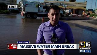 BREAKING: Water main break in north Phoenix - Video