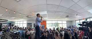 Presidential candidate Beto O'Rouke talks with Las Vegas voters
