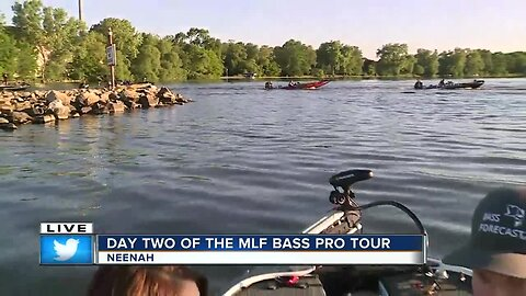 Boats taking off for MLF Bass Pro Tour