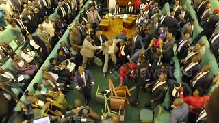 Ugandan lawmakers fight in parliament - Video