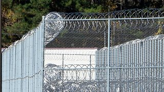 Report: Majority Of Immigrants In Federal Custody Are In US Illegally - Video