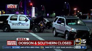 Mesa officer injured in crash while responding to fire - Video