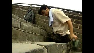Legless Man Climbs Great Wall - Video