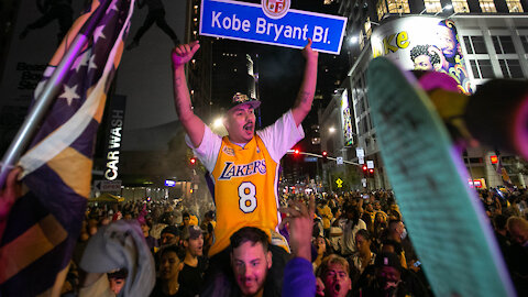 "Kobe Bryant Fans Beating Up Dude Yelling ""F Kobe"" Caught On Video Outside Of Lakers Celebration"