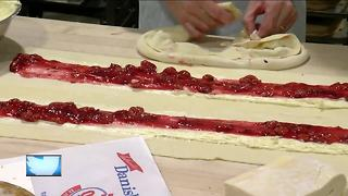 Bakery churns out holiday Kringle - Video