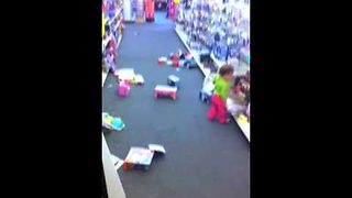 Little Girl Makes Gigantic Mess At A CVS Pharmacy - Video