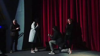 Idris Elba Proposes to Girlfriend in Front of Packed London Cinema - Video