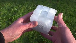 Man creates functional Rubik's cube out of ice - Video