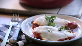 Delicious pepperoni chicken recipe - Video