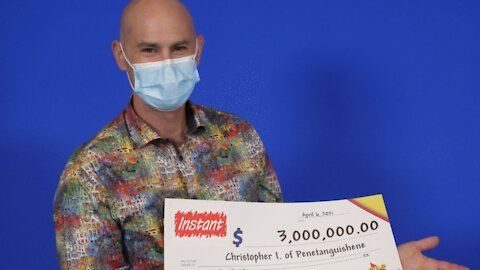 An Ontario Man Thought He Won $3K In The Lotto But Then Noticed 3 More Zeros On His Cheque