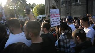 Hundreds of angry protesters gather close to Grenfell Tower - Video