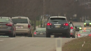 Two carjackings reported after crashes in Beachwood - Video