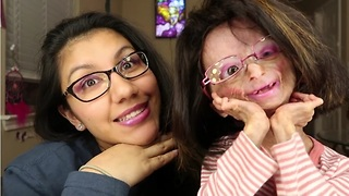 Adalia Rose Gives Her Mom A Hot Pink Makeover - Video