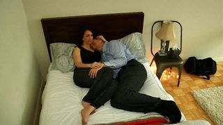 Professional Cuddler Charges $80 Per Hour - Video