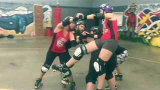 Canadian Roller Derby Team Do the Mannequin Challenge - Video