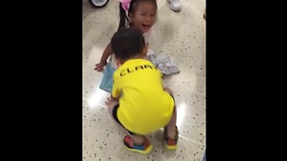 Priceless moment when 2 adopted kids from China reunite in Texas