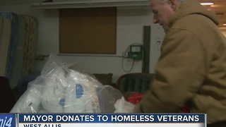 Milwaukee Mayor Tom Barrett donates mattresses to homeless veterans - Video
