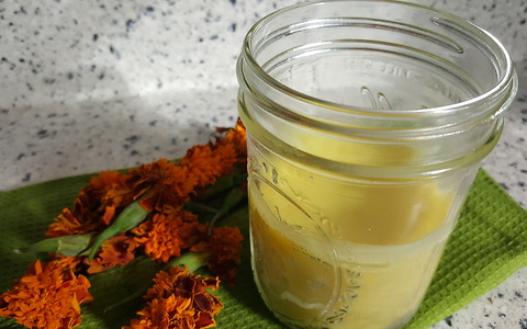 How to make all-natural healing salve