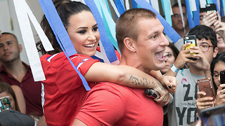 Gronk SMASHING Demi Lovato!? - Video