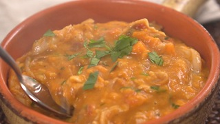 West African chicken peanut stew - Video
