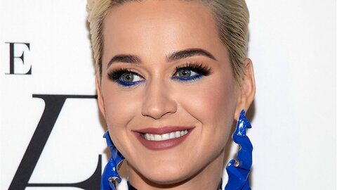 Katy Perry Dressed As Ursula For 'American Idol' Episode