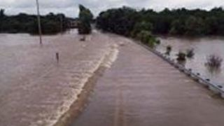 Heavy Flooding Forces Road Closures in Hershey, Pennsylvania - Video