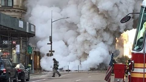 Steam Pipe Explosion in Manhattan Causes Concern Over Asbestos