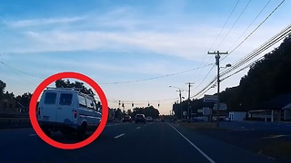 Crazy speeding van nearly crashes into car and bicycle while running a red light  - Video