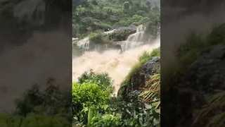 Wild Floodwater Flows Through Resort Area in India's Kerala Province - Video