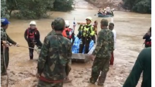 Thai Rescue Crews Help During Flooding in Southern Laos - Video
