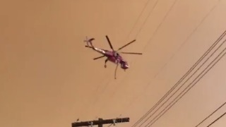 La Tuna Fire Edges Towards Homes North of Los Angeles - Video