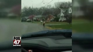 Father makes his son run to school for being a bully - Video